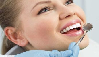 Compare Prices, Costs & Reviews for Dental Crown in Calle los Almendros